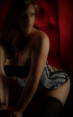 Viollette adult dating & live escort