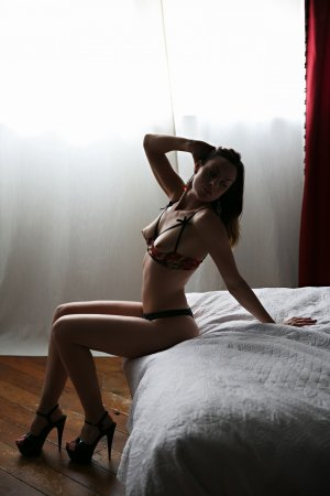 Rayma escort girl in Frankfort