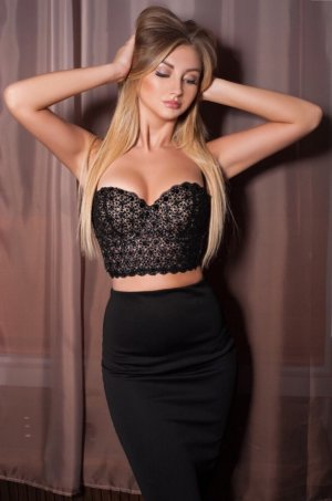Naziha incall escort in Davidson NC & casual sex