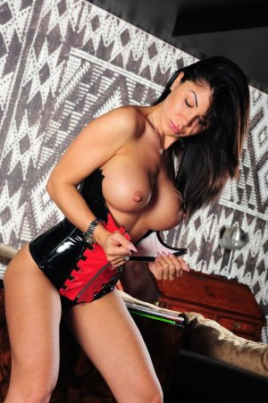 Seleyna best escort and casual sex